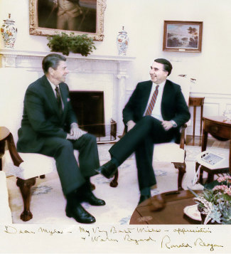 Reagan_and_Martel_sitting_in_Oval_(no_JB)